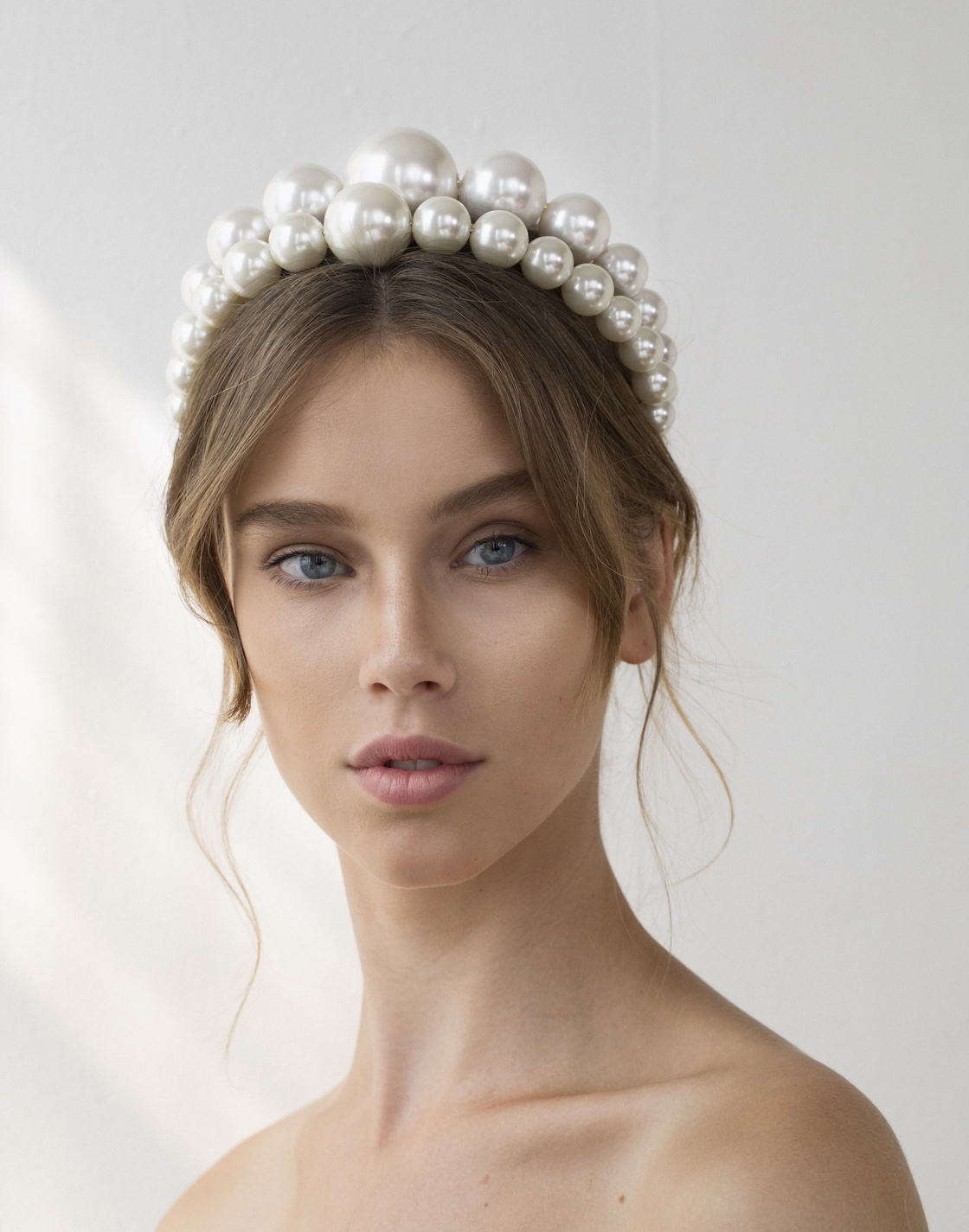 Venus Pearl Crown